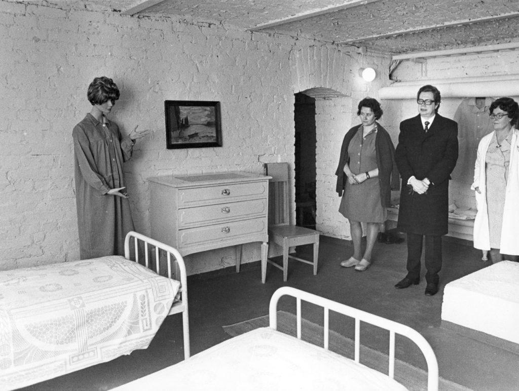 Pitkäniemen sairaalamuseon avajaiset vuonna 1975.