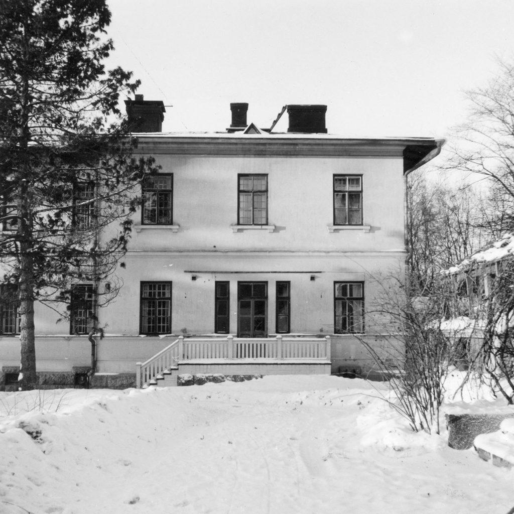 Rakennus 2 julksivu vuonna 1967.